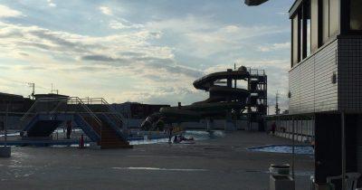 愛媛県今治市の富田海浜プール!大きなウォータースライダーと流れるプールで子どもも大人もしっかり遊べる!